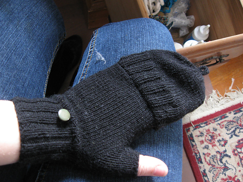 Knitting Pattern For Fingerless Gloves With Flap : Death By Knitting (and Other Various Crafts): February 2009